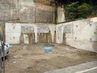 既設の擁壁にロックボルト工